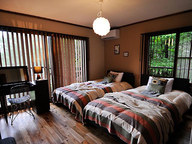 1階の寝室